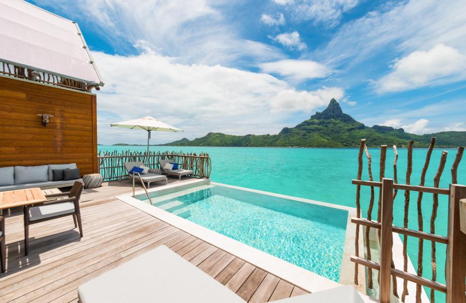 Suite Pilotis Prestige Brando avec piscine
