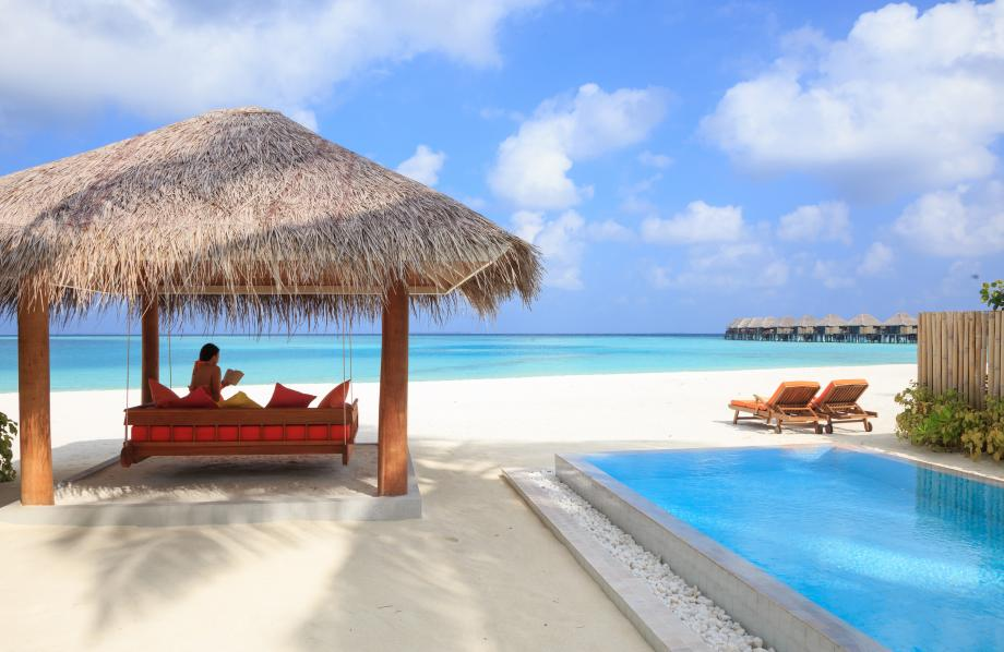 Deluxe Beach Villa Pool