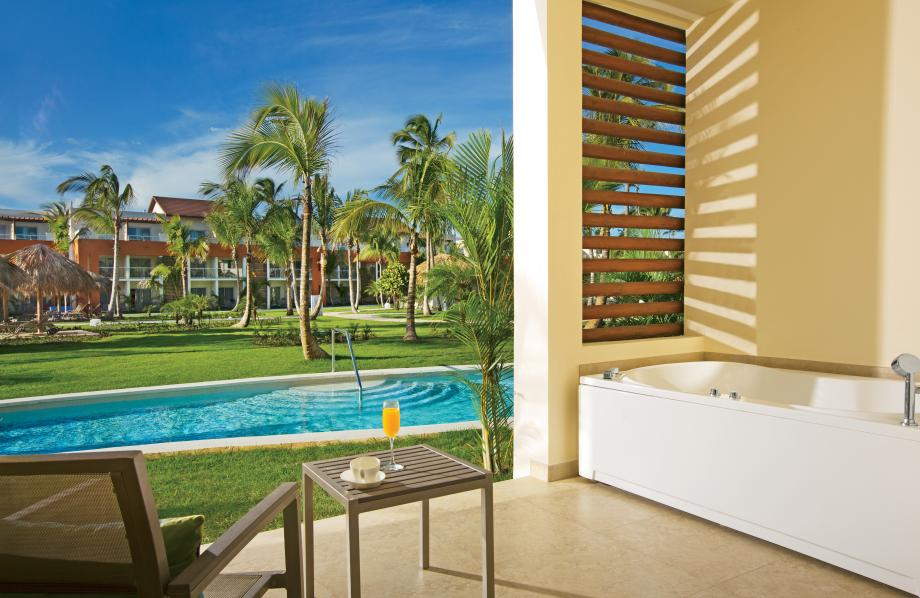 Allure Junior Suite Swim-up