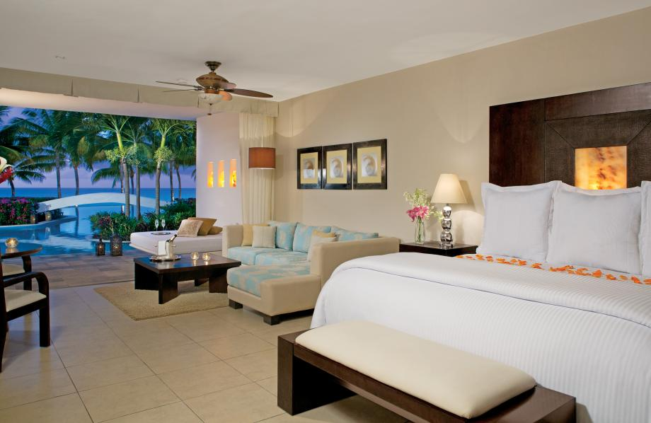 Prefered Club Junior Suite Vue Mer Swim-Out