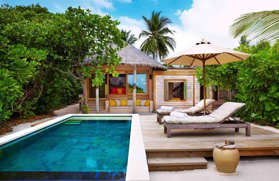 Beach Family Villa with Pool
